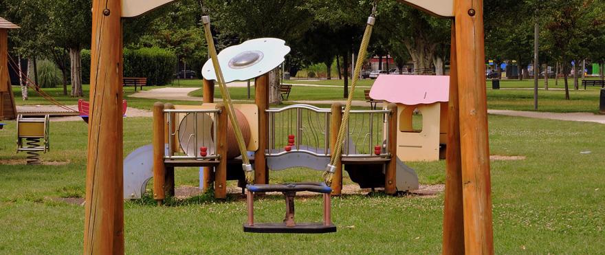 aire de jeux extérieur pour les bébés